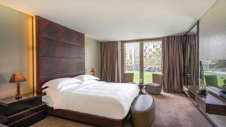 Al-Faisaliah-Grand-Suite-Bedroom---D2