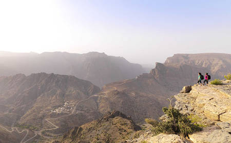 Anantara-Jabal-Al-Akhdar_Journey-to-Cold-Valley