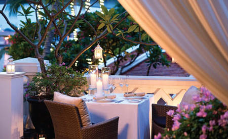 Anantara_Riverside_Bangkok_Resort_Riverside_Dining_by_Design