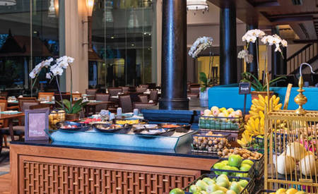 Anantara_Riverside_Bangkok_Resort_The_Market