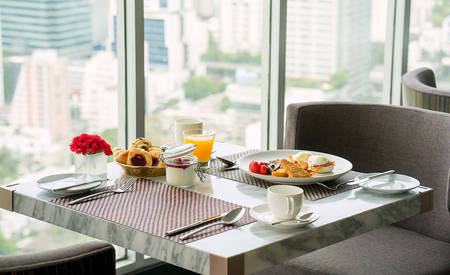 3_AN Sathorn Bangkok_Kasara Executive Lounge