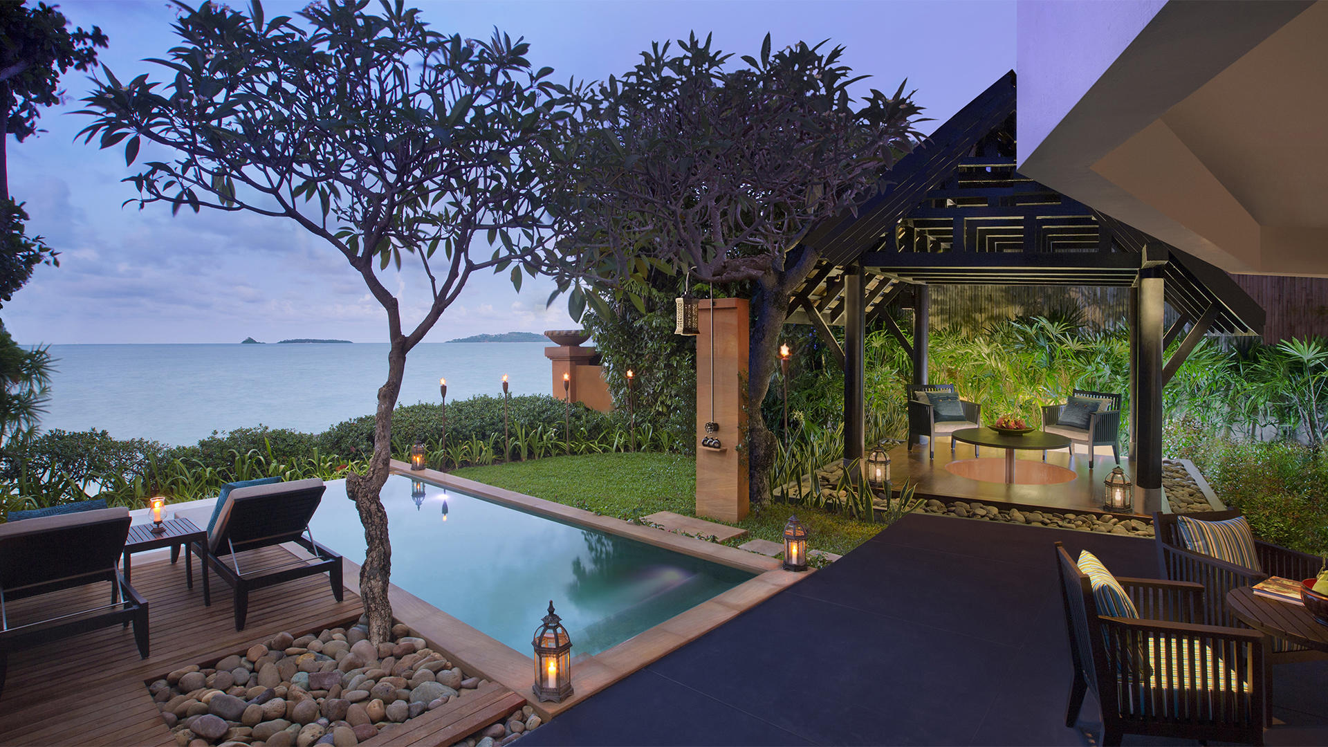 _Beachfront-Pool-Suite-Exterior