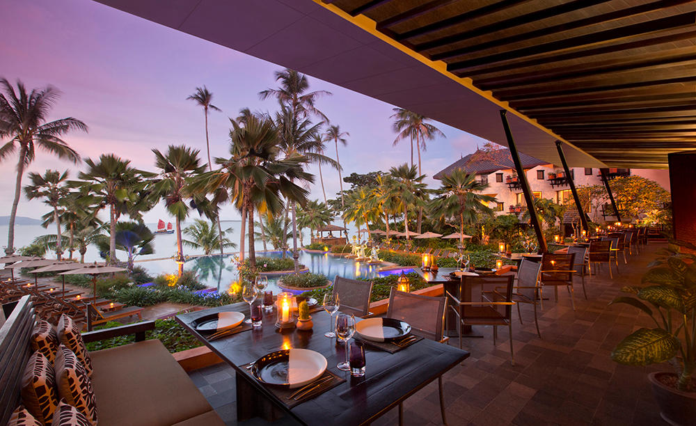 Anantara_Bophut_Koh_Samui_Resort_Full_Moon_Restaurant_dining