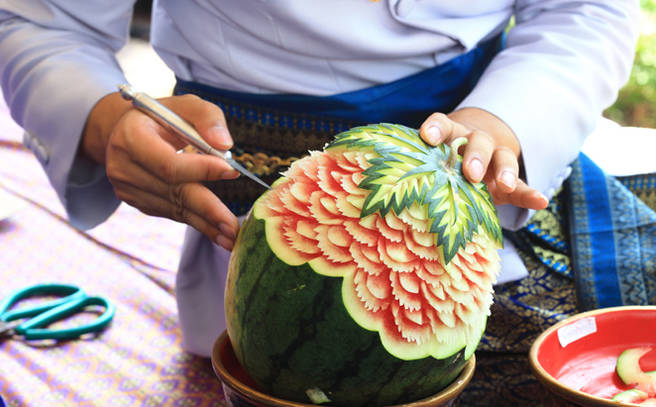 Fruit carving class anantara bophut koh samui resort