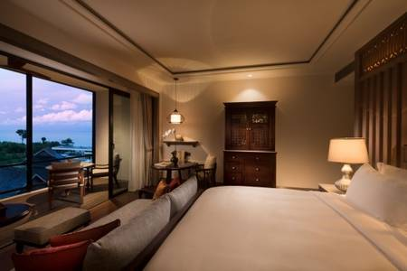 Anantara_Desaru_Coast_Resort_and_Villa_Guest_Room_Deluxe_Sea_View_Bedroom_Reverse