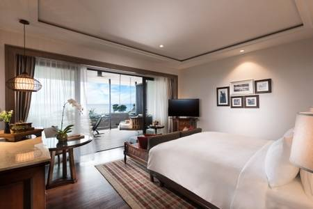 Anantara_Desaru_Coast_Resort_and_Villa_Guest_Room_Deluxe_Sea_View_Bedroom_View_Daytime