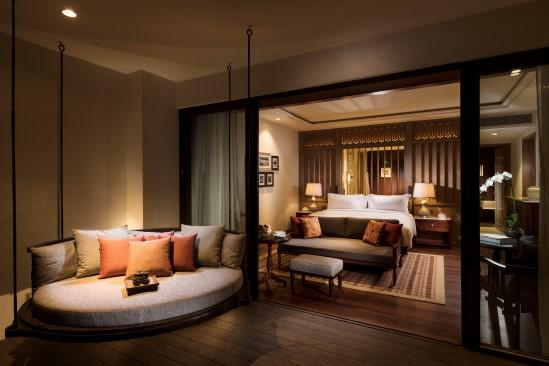 Anantara_Desaru_Coast_Resort_and_Villa_Guest_Room_Deluxe_Sea_View_Corner_Room_Lounging_Area