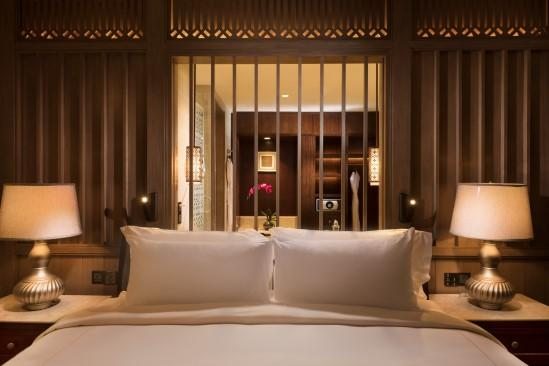 Anantara_Desaru_Coast_Resort_and_Villa_Guest_Room_Premier_Room_Bedroom