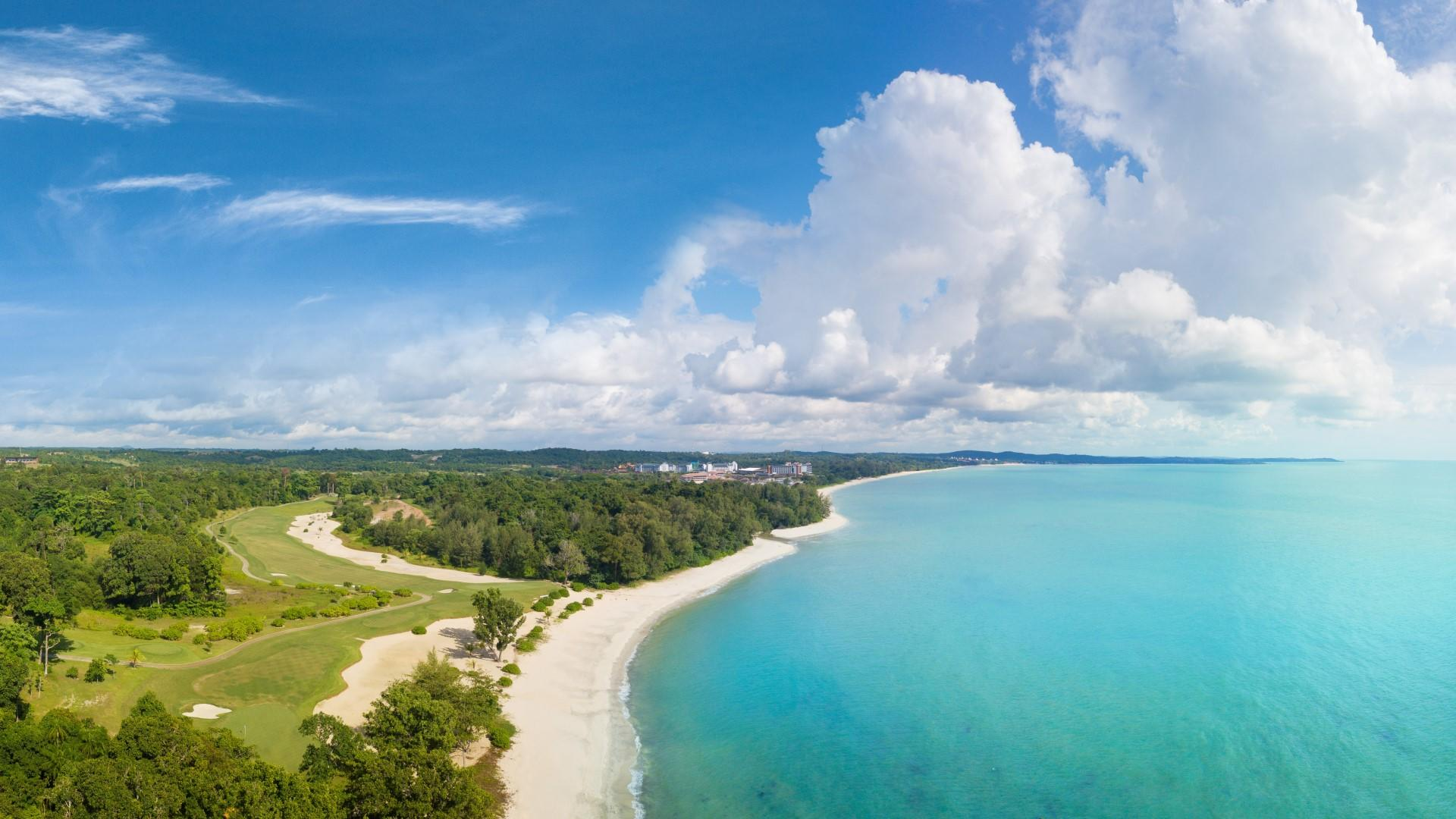 Anantara_Desaru_Coast_Resort_and_Villas_Beach_Aerial_View