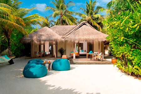 Anantara_Dhigu_2Bedroom_Family_Villa_549x366