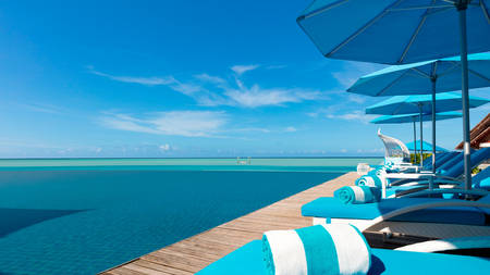 Anantara_Dhigu_Aqua_Pool_Bar_1920x1080