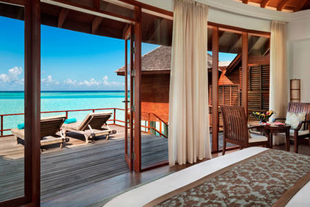 Anantara_Dhigu_Sunrise_Over_Water_Suite_549x366