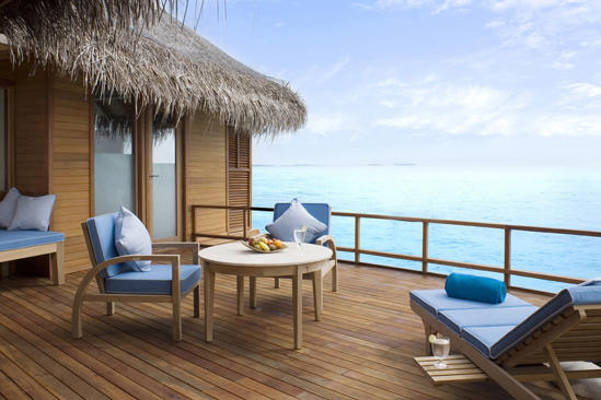 Anantara_Dhigu_Sunset-Over-Water-Suite