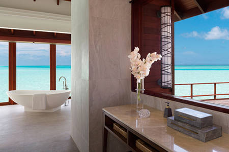 Anantara_Dhigu_Sunset_Over_Water_Suite_549x366