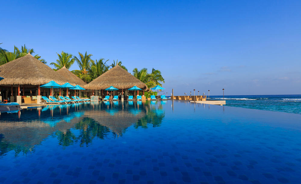 Anantara _ Dhigu _ Maldives _ Resort _ Dhoni _ Pool _ Bar