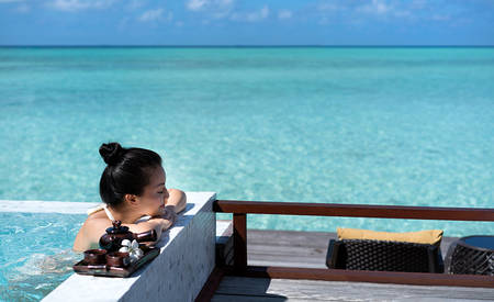 Anantara _ Dhigu _ Maldives _ Resort _ over _ water _ Spa