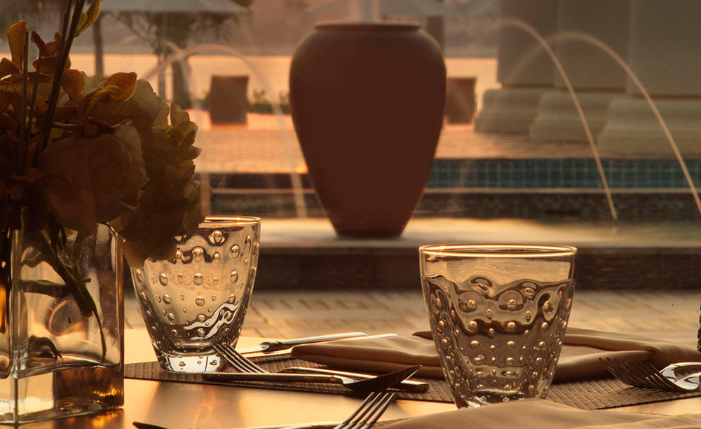 2_Anantara-Palm-Dubai_Crescendo_Restaurant_sunset