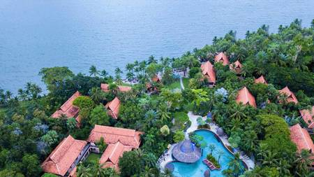 pool-aerial-shot_property_banner_20190808