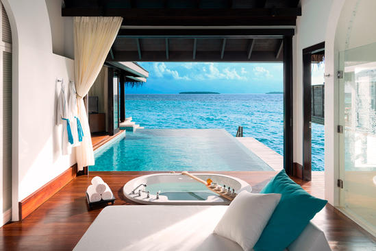 Anantara_Kihavah_Over-Water-Pool-Villa