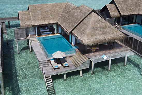 Anantara_Kihavah_Sunset-Over-Water-Pool-Villa_exterior