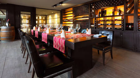 Anantara-Mui-Ne_Resort_The-Wine-Room_Restaurant