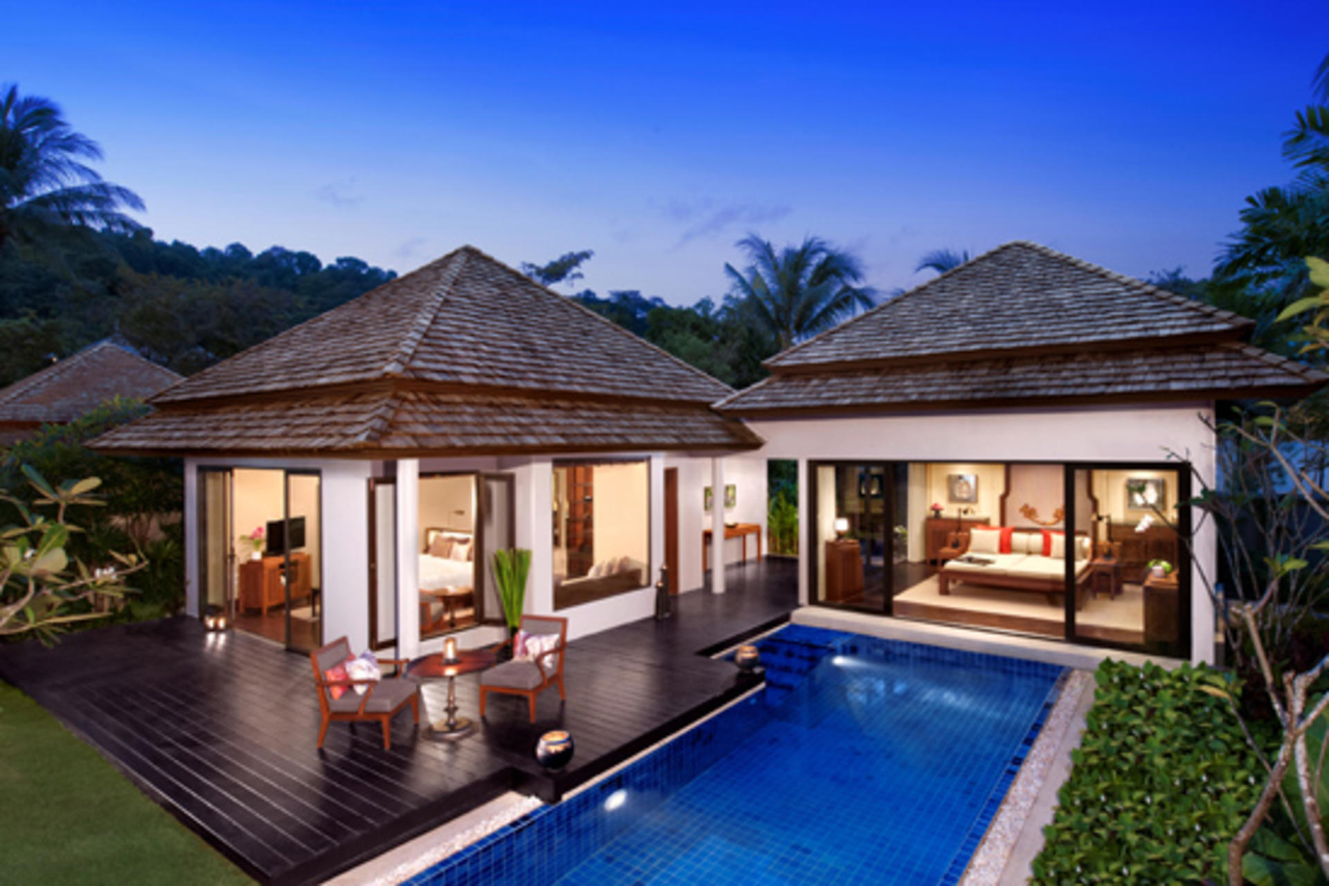 Beachfront Layan Pool Villa