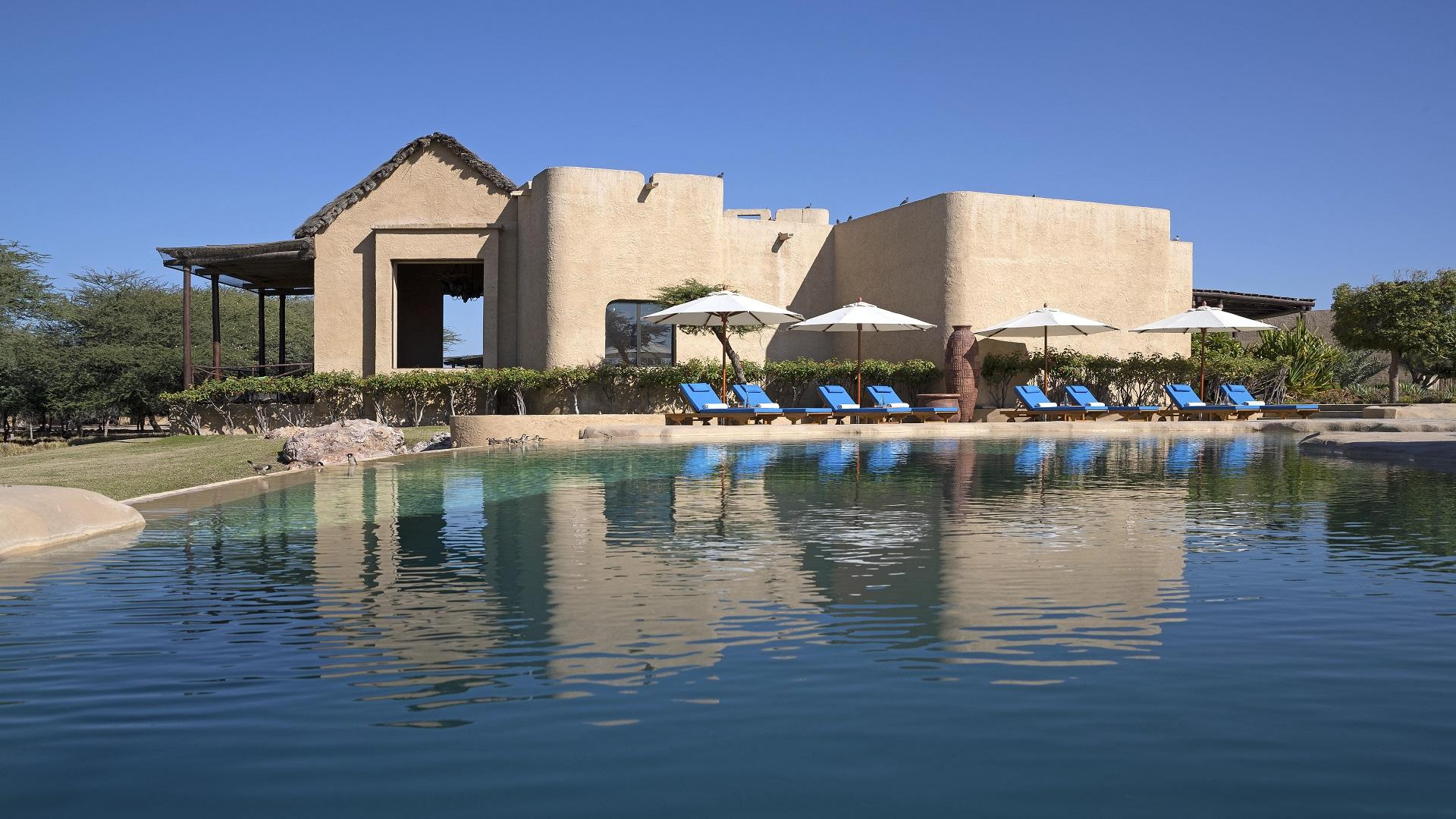 Anantara_Sir_Bani_Yas_Island_Al_Sahel_Villa_Resort_Pool_View_Main_Pool