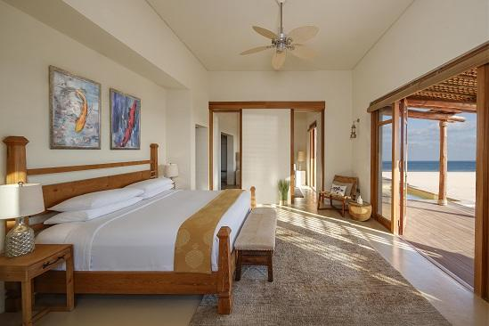 R04 Anantara_Sir_Bani_Yas_Island_Al_Yamm_Villa_Resort_Guestroom_One_Bedroom_Beach_Pool_Villa_Bedroom