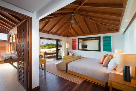 Anantara_Veli_Over_Water_Bungalow