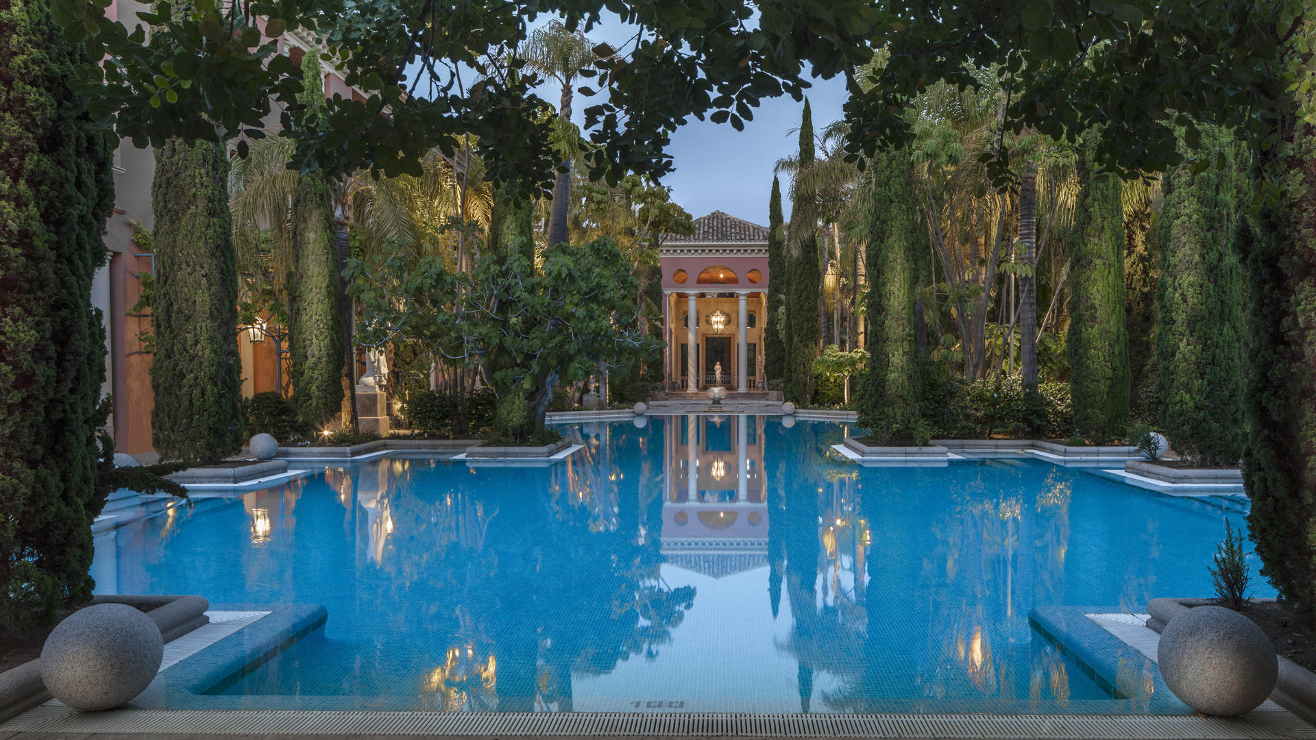 Anantara_Marbella_Pool_AcrossPool_Twilight