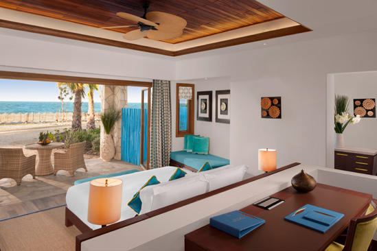 Anantara_Doha_Deluxe_Sea_View_Room