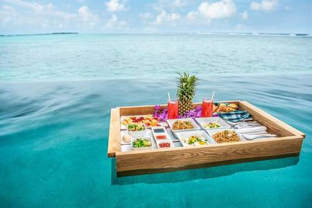 Floating breakfast