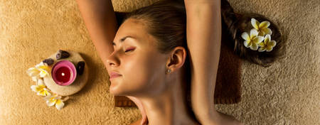 AN-Qasr-Al-Sarab_Shoulder-Massage-For-Two