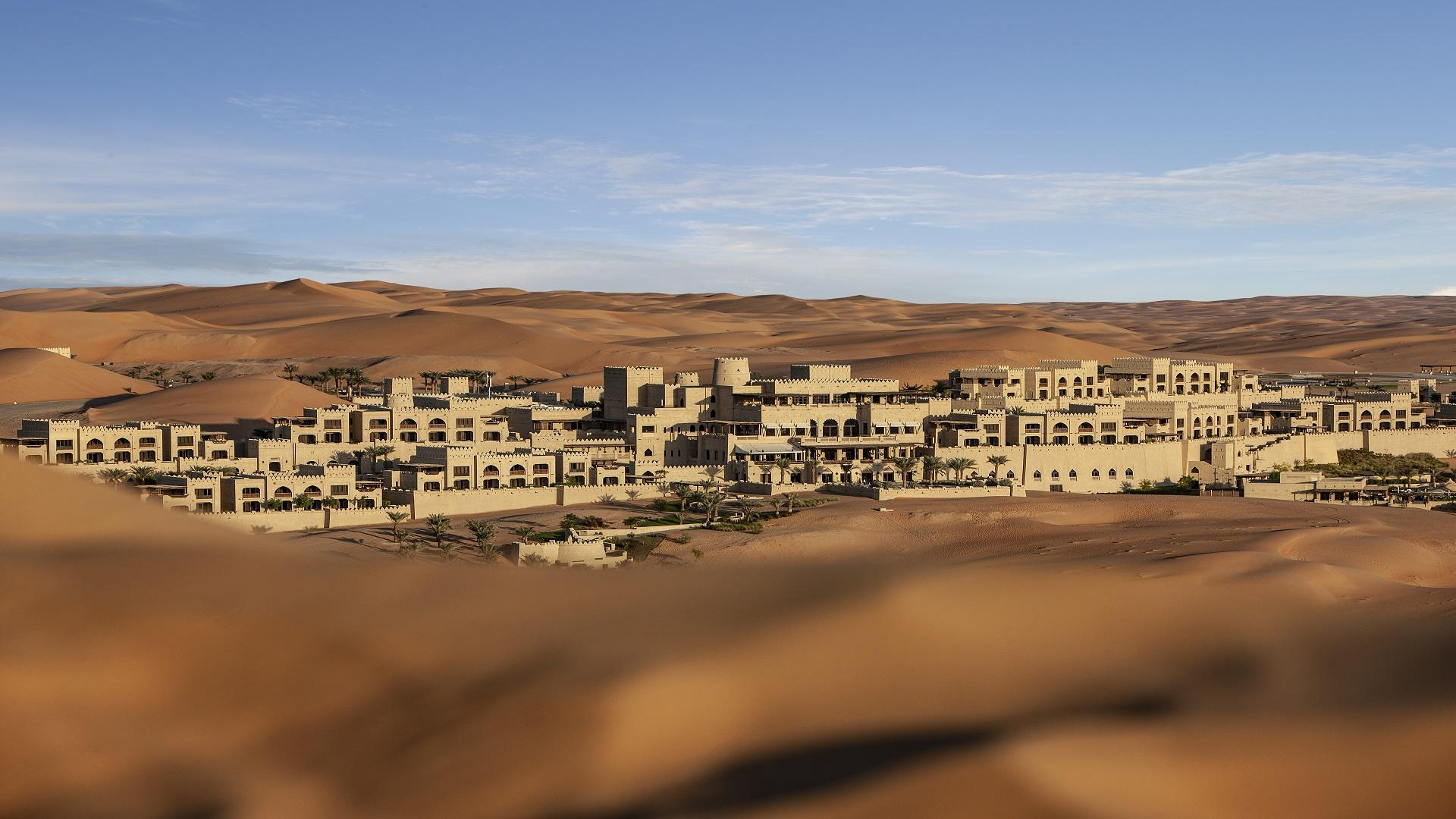 Qasr_Al_Sarab_Desert_Resort_by_Anantara_Exterior_View_Resort