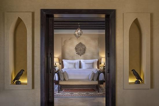 Qasr_Al_Sarab_Desert_Resort_by_Anantara_Guest_Room_One_Bedroom_Villa_Bedroom