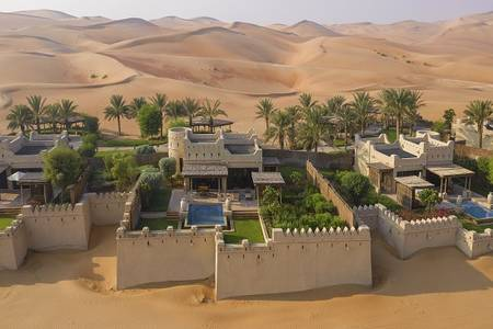 Qasr_Al_Sarab_Desert_Resort_by_Anantara_Guest_Room_One_Bedroom_Villa_Exterior_View
