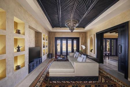 Qasr_Al_Sarab_Desert_Resort_by_Anantara_Guest_Room_One_Bedroom_Villa_Livingroom