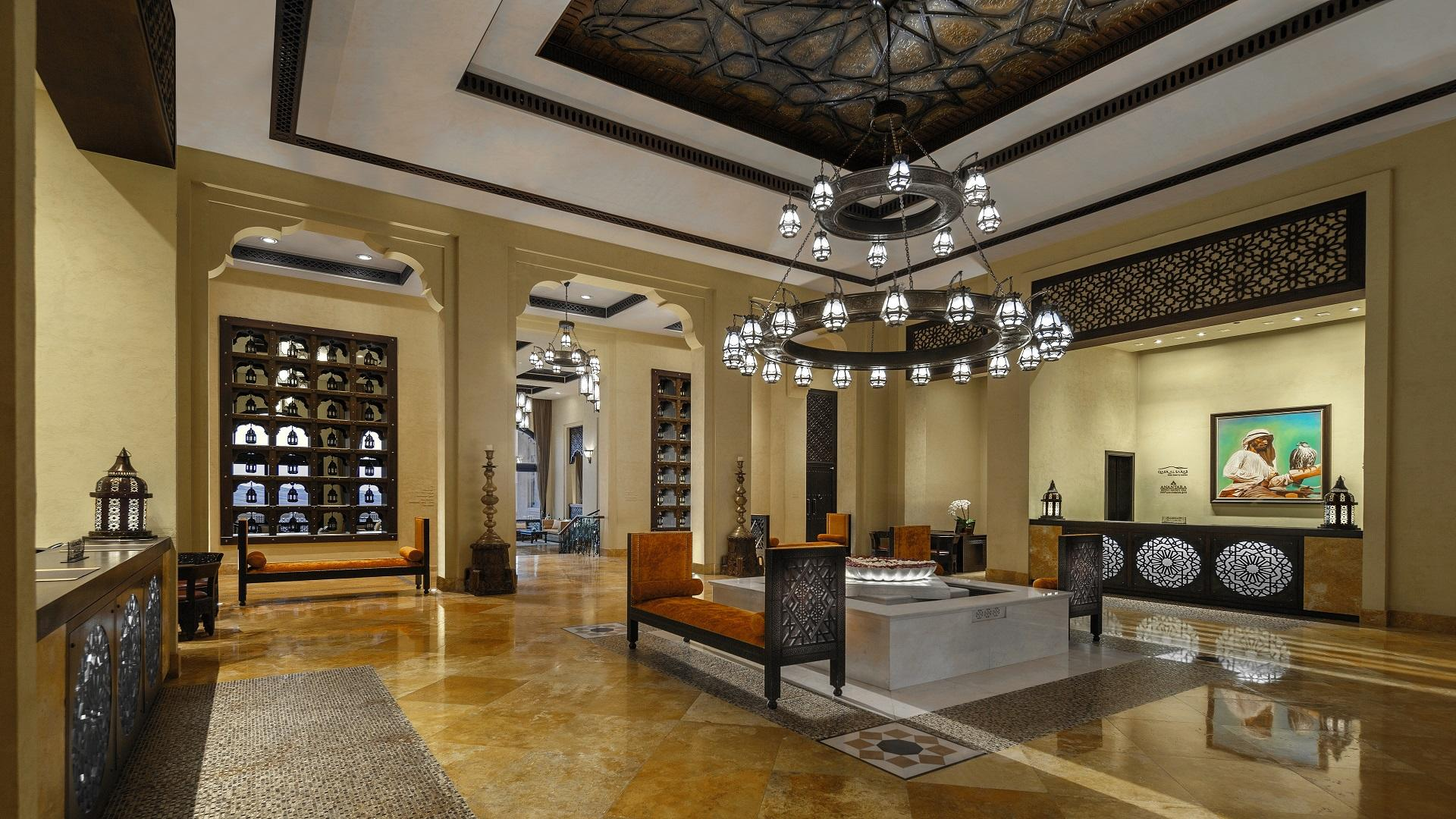 Qasr_Al_Sarab_Desert_Resort_by_Anantara_Lobby_View_Reception_Area