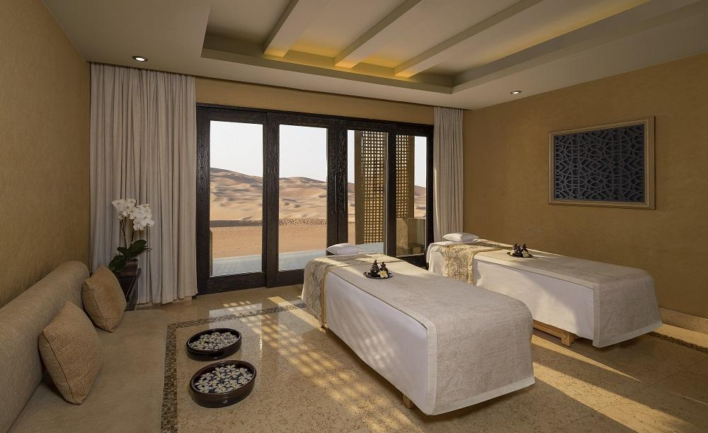 Qasr_Al_Sarab_Desert_Resort_by_Anantara_Spa_Treatment_Rooms_Beds