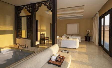 Qasr_Al_Sarab_Desert_Resort_by_Anantara_Spa_Treatment_Rooms_Jacuzzi