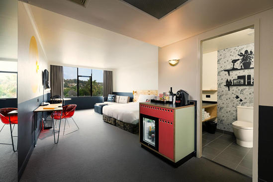 Atura Albury_Deluxe_Accessible_Room