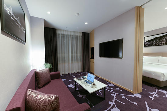 Avani_Central_Busan_Junior_ suite