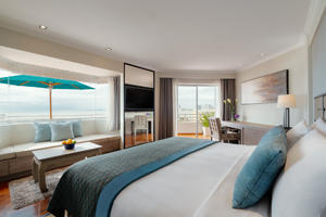 Avani Sea View Corner Room
