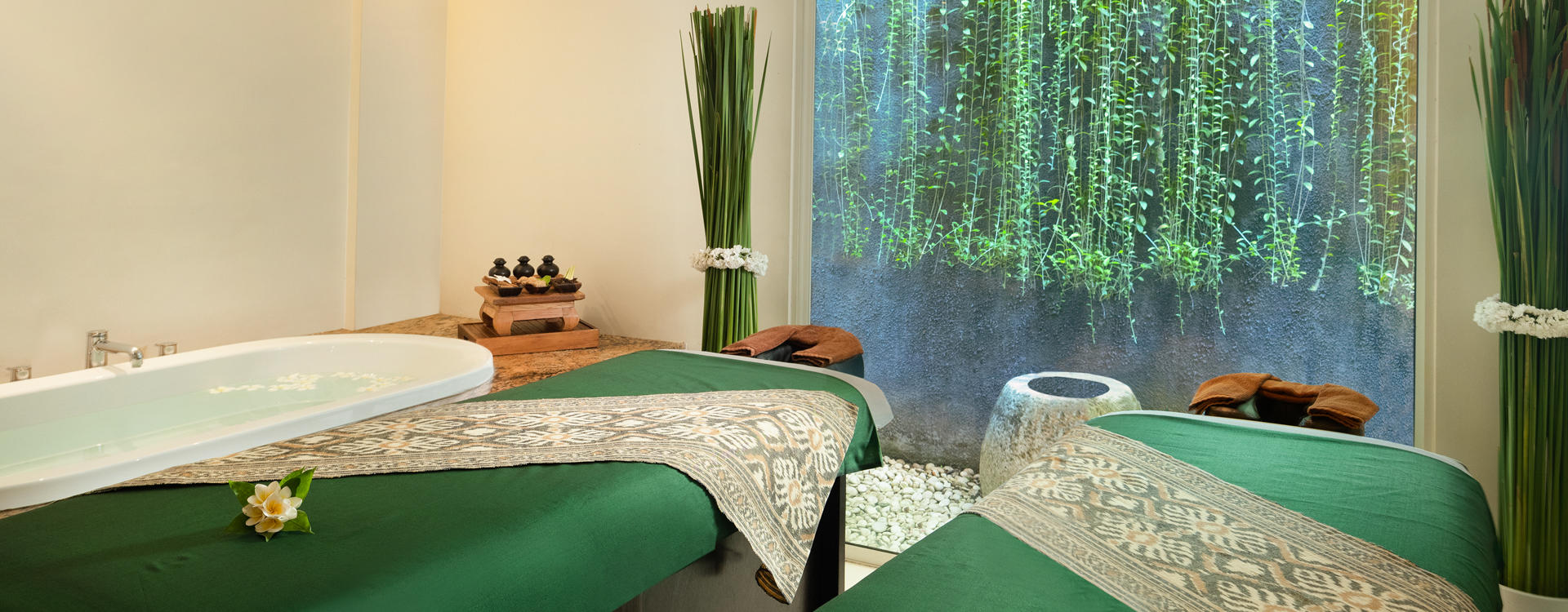 LE3 - Balinese Message at Hideaway Spa