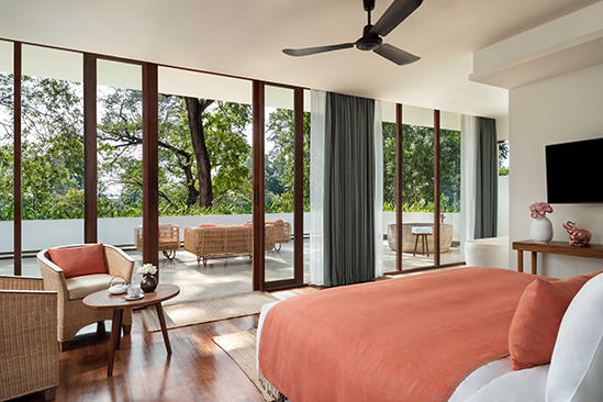 FCC_Angkor_by_Avani_Riverview suite Schlafzimmer
