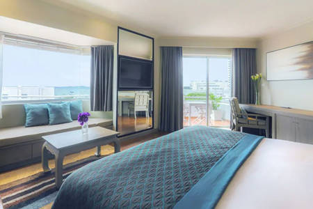 AVANI_Pattaya_Sea_View_Corner_Room