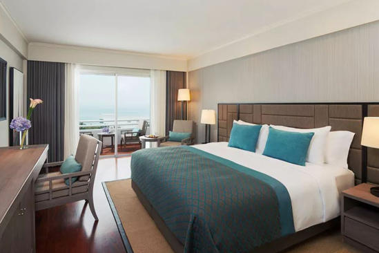 AVANI_Pattaya_Sea_View_Plus_Room