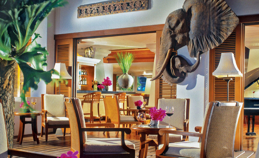 AVANI_Pattaya_Resort_&_Spa_Elephant_Bar