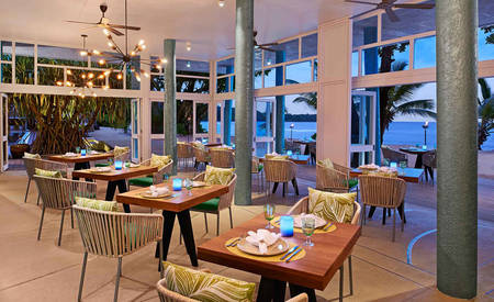 AVANI_Seycheles_Barbarons_Resort_ 与 _Spa_Tamarind_Restaurant