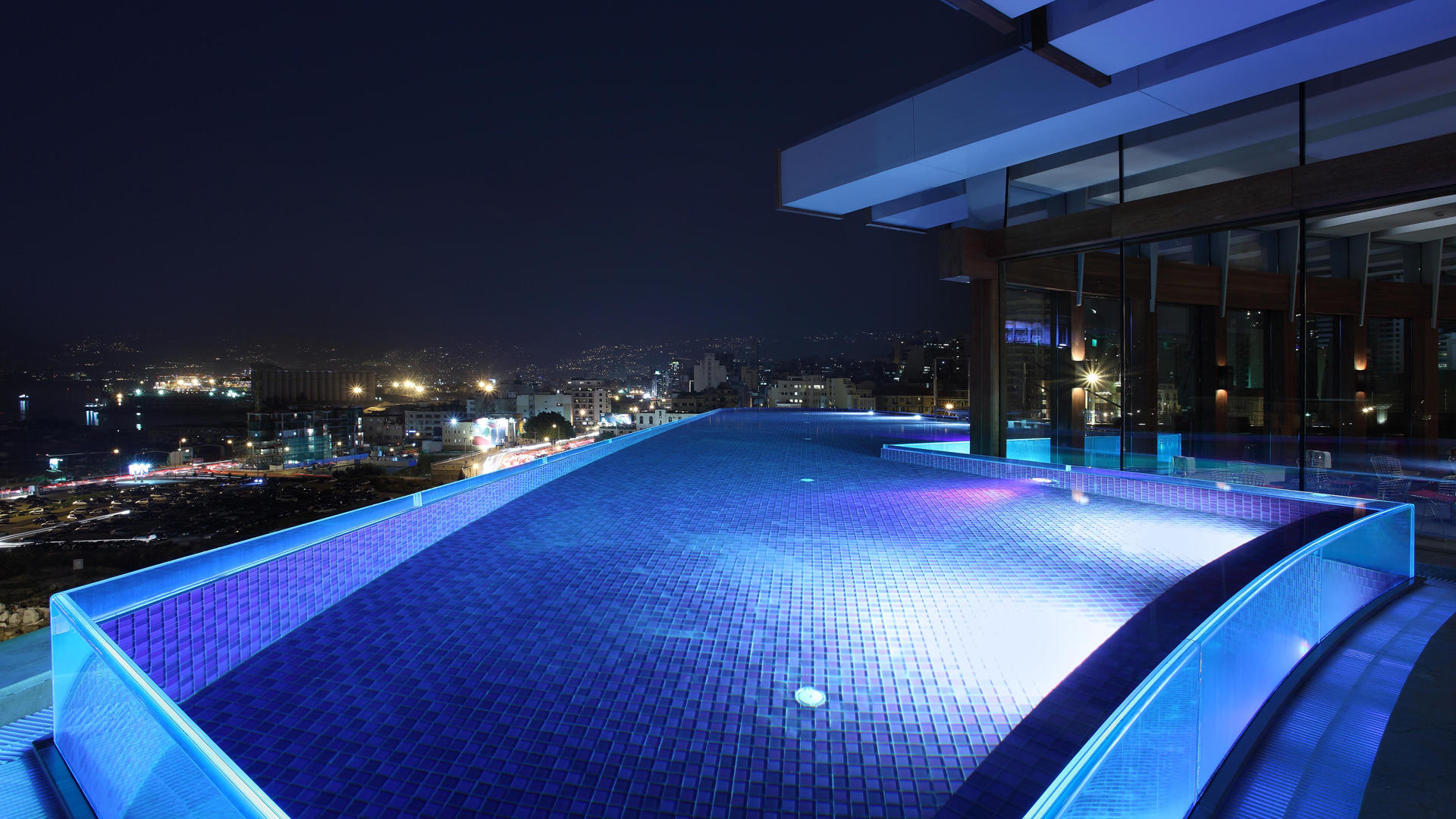 Le_Gray_Hotel_Beirut_Rooftop_Pool